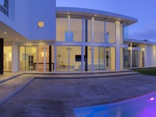 Portlock house by architect Jim Schmit, Honolulu Hawaii